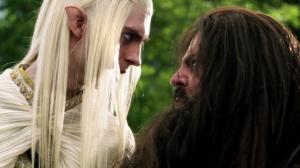 Elfo e anao encarandose